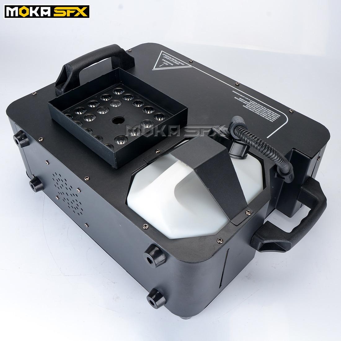 DMX Control Vertical Fog Machine 24X3W RGB LED Lights Stage Smoke Generator 1500W LED Special Effects Fog Machine For Dj Party