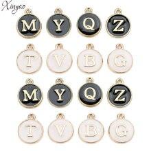 XINYAO – breloques Alphabet initiales en métal et émail, 26 pièces, 12x14mm, couleur rose blanc, pendentif, pour la fabrication de bijoux de Bracelet, Diy