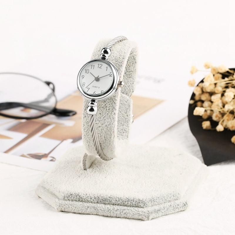 Unique Women Bracelet Watch Little Smooth Dial Top Luxury Silver Slim Strap Korean Retro Art Female Clock Quartz Watch Gift Hour 2018 2019 (52)