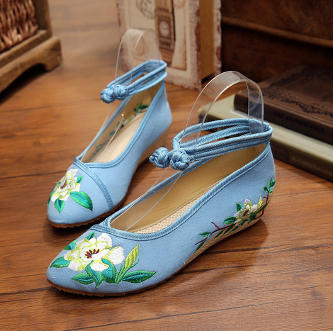 Chinese Embroidery Shoes Woman Old Peking Chinese Flat Heel With Flower Embroidery Comfortable Soft Flats SMYXHX-D0033 hsp 94180 1 10th scale rc car 4wd electric powered off road rc crawler 2 4g climbing truck car p3