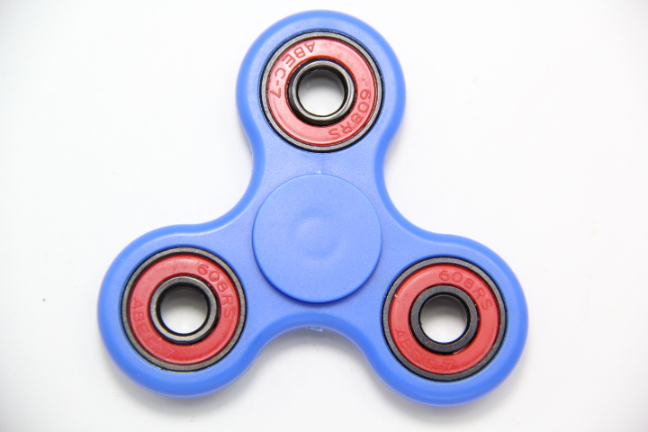 7 Colour Choose Hot Tri EDC Hand Spinner Fidget Finger Ball Focus Stress Hand Desk Kids