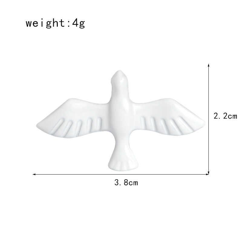 Животного чистый белый летящая птица брошки пуговицы заколки Брошь джинсовые куртки булавки Знак подарок для детей мультфильм ювелирные изделия