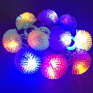 Image 3 - 30 teile/los Led Spielzeug Für Party Luminous Glow Ring Geschenk Weihnachten Spielzeug Erdbeere Weiche Licht Up Spielzeug Für Kinder Glow in Der Dunkelheit