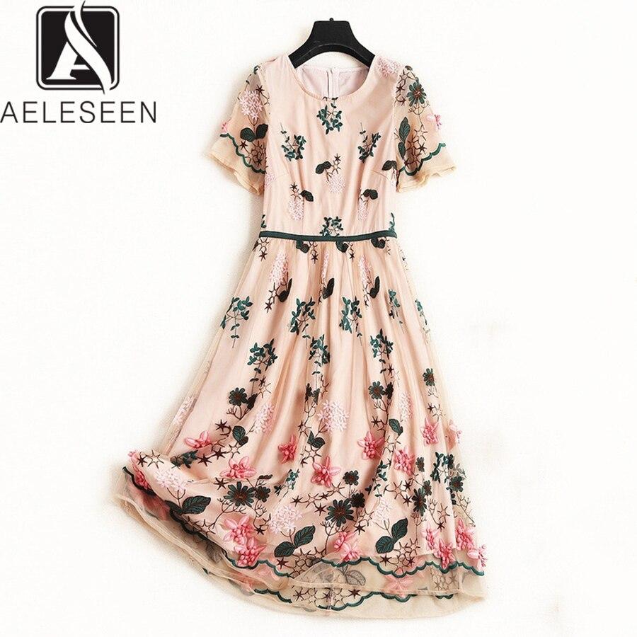 Kadın Giyim'ten Elbiseler'de AELESEEN Lüks Plaj Elbise 2019 Pist Yaz Yeni Moda Çiçek Nakış Diz Boyu Zarif örgü elbise Vestidos XXL'da  Grup 1