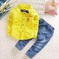 2017 Conjunto de Roupas de Bebê Menino Cavalheiro Casual Listrada Completa Turn-down Collar Casaco e calças Conjunto de Roupas de Bebê Menino Bodysuits do bebê