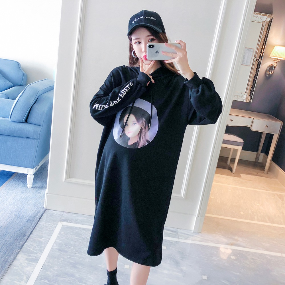 купить Pregnant women sweater women 2018 autumn new fashion printing long maternity dress loose out hooded shirt по цене 2847.06 рублей