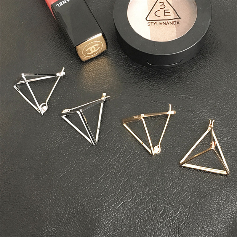2018 Korean Simple Hollow Triangle Stud Earring for women fashion jewelry Personality Geometric earrings accessories wholesale