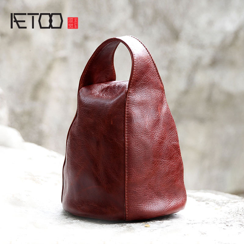 AETOO 2017 new packet of female leather first layer of leather retro style personality simple shoulder bag aetoo casual fashion shoulder bag leather new female package first layer of leather bags simple temperament leisure travel packa