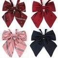 Japão Uniforme JK Gravata borboleta Doce Lindo Colar Flores Roupas de Classe Isignina Collar Crown Bowtie Cravat Selvagem Para Os Alunos Cosplay