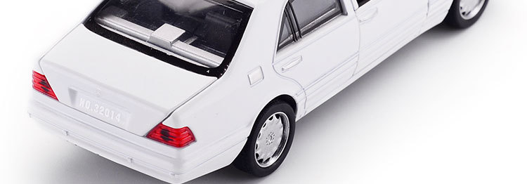 Mercedes-Benz S W140 Model Car with Sound and Lights 17