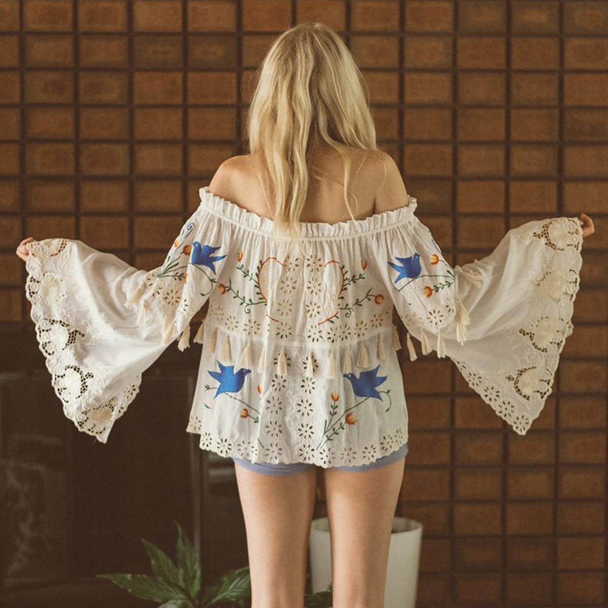 Bleu oiseau broderie Blouse femmes Flare ourlet à manches longues gland hors épaule hauts 2019 été dames Boho dentelle Floral chemises
