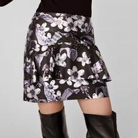 Mode Simplee Sexy Pu Jupe En Cuir Automne Hiver Fleur Élégante À Volants Courtes Femmes Jupe Casual Noir Mince Mini Jupe Gothique