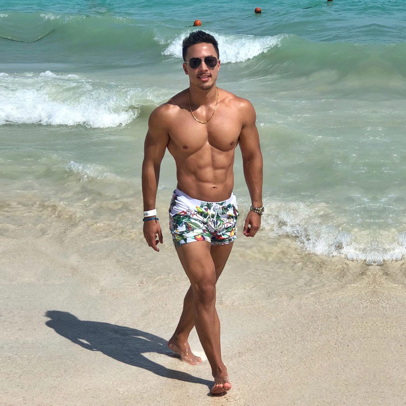 Beach men pics 90