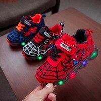 HaoChengJiaDe SpiderMan Kinderen Schoenen Met Licht Kinderen Lichtgevende Sportschoenen Gloeiende Sneakers Baby Jongens Meisjes LED Light Up Schoenen