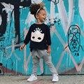 2016 Европа Мода комплектов одежды для Девочек 2 шт. одежда рог дизайн Маска Футболка + Понижающей Передачи хлопок брюки детская одежда