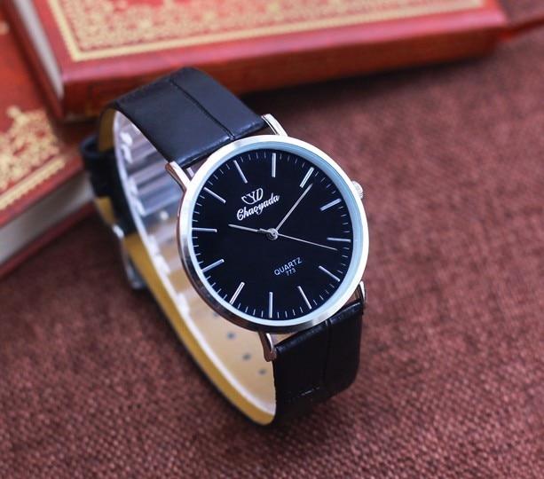 26aa52916444 2018 Reloj moda grandes Unisex militar hombres de cuarzo Reloj deportivo de  cuero relojes clásico Reloj Relogio Masculino en Relojes de cuarzo de  Relojes en ...