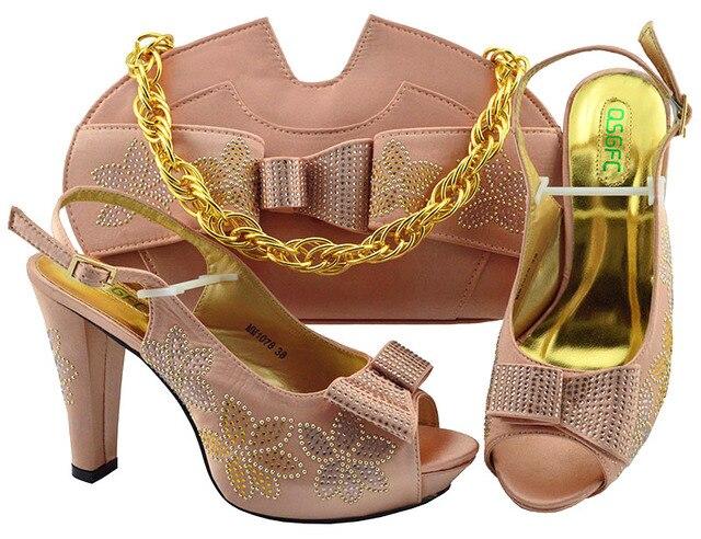 04b5ba931 Chegada nova Mulher Peacj Nigéria Sapatos E Saco de Harmonização Definir  Fashionale Couro PU Saltos Sandálias Bolsa Conjunto Para O partido
