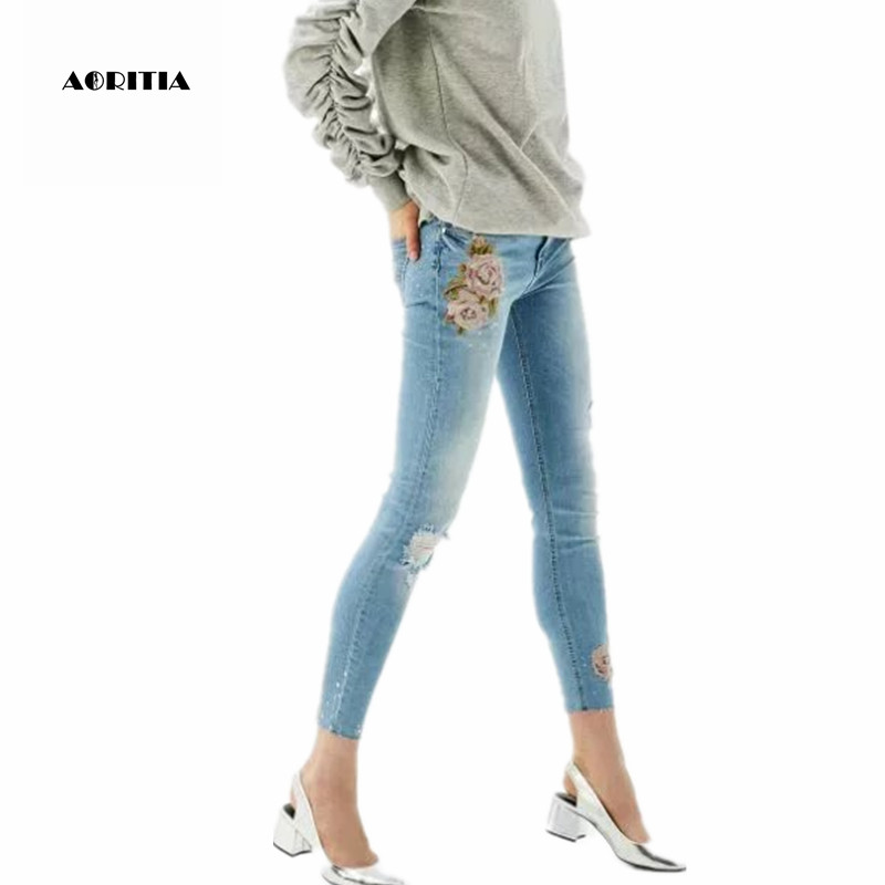 2017 Woman Floral Embroidery Pencil Denim Pants Ankle-Length Push Up Jeans Pantalon Femme 2017 spring new women sweet floral embroidery pastoralism denim jeans pockets ankle length pants ladies casual trouse top118