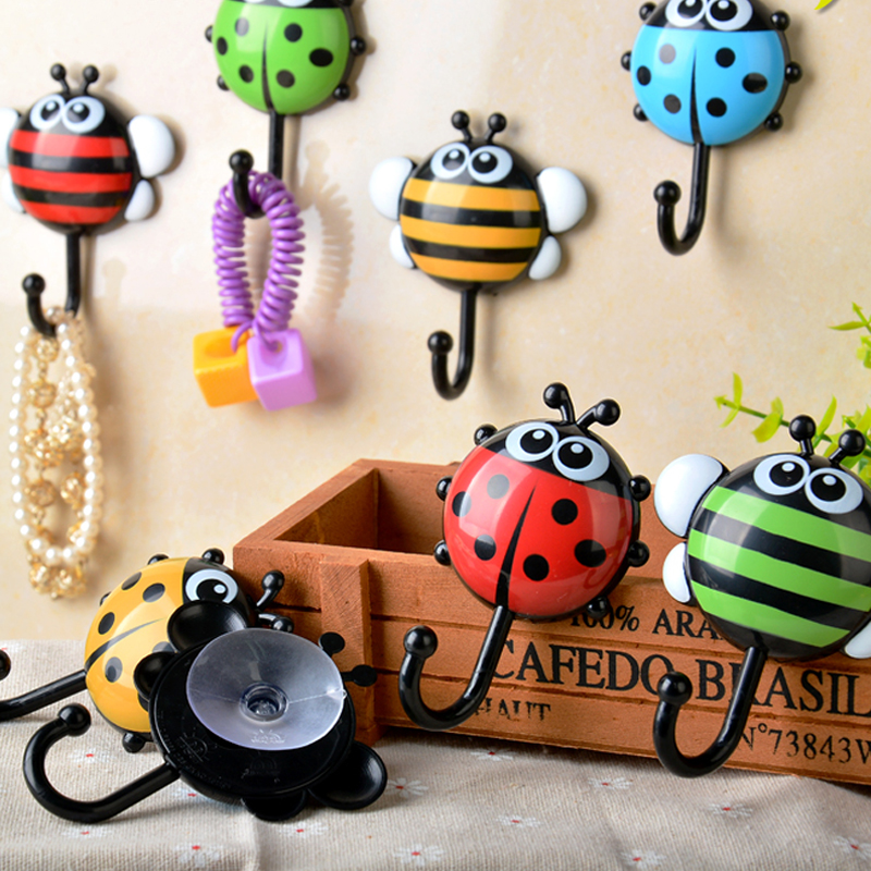 2pcs Household Wall Mounted Cute Ladybug Bathroom Wall Hooks Kitchen vacuum Sucker Holder Hook multi-purpose Wall Decor Hooks
