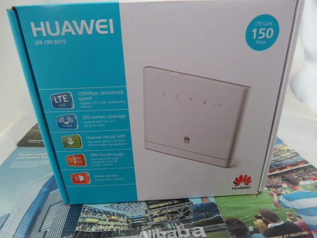 Brand New Sealed Huawei B315s-22 4 G CPE FDD / TDD-LTE PK Router B593S-22