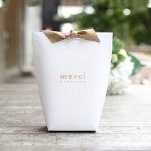 50 adet/grup yeni siyah ve beyaz yastık kutusu Merci şerit yay hediye karton kese Kraft kutusu hediye DIY kutuları düğün parti kaynağı