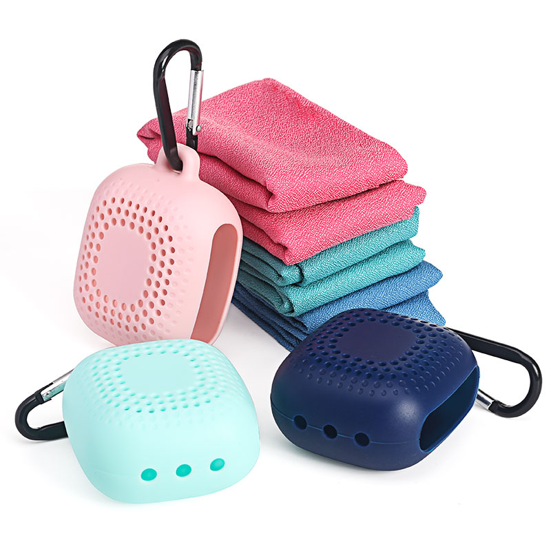 1 Pcs/ Lot Travel Packing Fast Drying Towel  With Silicone Pouch  For  Portable  Backpack Travel Organizer Pink Green And Blue