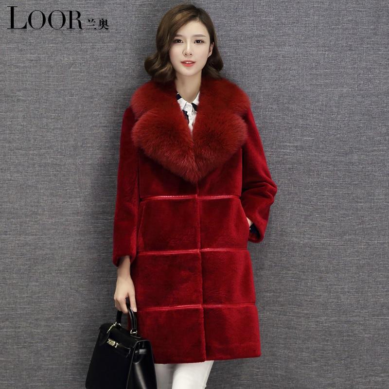 f5aed8648ca24 2017 Nouvelle vraie fourrure manteau d hiver laine manteau femmes dans la longue  renard col de fourrure Épaisse Fourrure Chaude Haute qualité femmes Agneau  ...