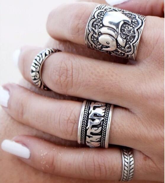 4pcs/Set Vintage Retro Punk Ring Set Unique Carved Antique Elephant Totem Leaf Lucky Rings for Women Gift Boho Fashion Jewelry