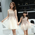 Family clothing nueva moda marca de madre e hija madre e hija familia mirada de encaje a juego vestidos de bata de pelota partido vestido de malla