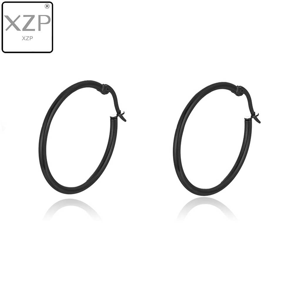 XZP หญิงแฟชั่นเครื่องประดับต่างหูกลมขนาดใหญ่วงกลม Sliver สีดำ Hoop ต่างหูสำหรับผู้หญิง 30-70 มม.หูอุปกรณ์เสริม