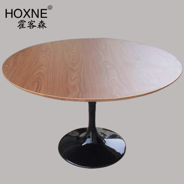 Huo Sen Modern Minimalist Scandinavian Fashion Off A Round Wooden Table  Surface Is Large Tulip Wood