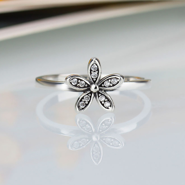 Dazzling Daisy Clear Cubic Zircon Original Silver Color Brand Rings for Women En