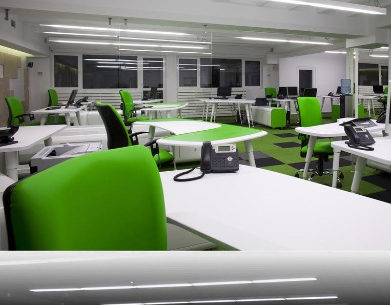 Illuminazione per sala riunioni luce e moderno open space ufficio