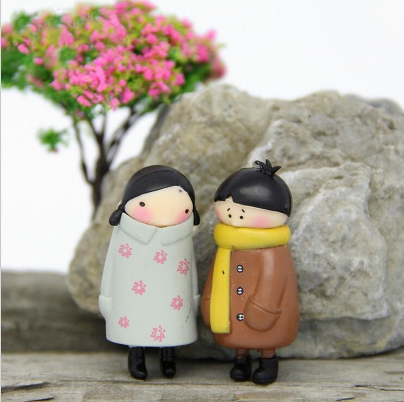 Winter Lovers figurine Wedding Figurine fairy garden people statue miniature Moss micro landscape ornaments resin craft TNS014