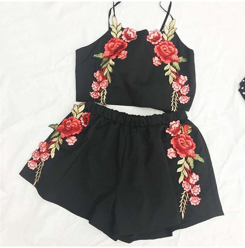 HTB1zQxRQXXXXXaPXpXXq6xXFXXXX - Women Floral Embroidery Vintage Crop Top Shorts Set Skirt PTC 164