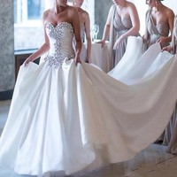 vestido de novia Romantic Bridal Dress Off Shoulder Fashionable Wedding Gowns Beaded robe de mariee Backless Wedding Dresses