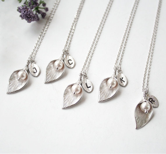 ce67f39a3bc3 Qiamni 6 Sets 5 unids moda caliente al por mayor Silver Calla Lily collar  inicial-para mujer y señoras envío gratis