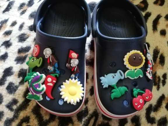 4-8 pcs Vingadores Procurando Nemo PVC Encantos Da Sapata Sapato Fivelas Acessórios Fit Pulseiras Bandas Croc JIBZ, presentes Do Partido dos miúdos