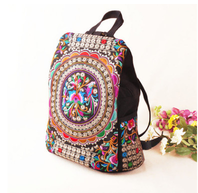 New All-match national Embroidered Backpack!Hot Womens Floral embroidery Lady Ruskback Top Shopping Lady Multi-use holder