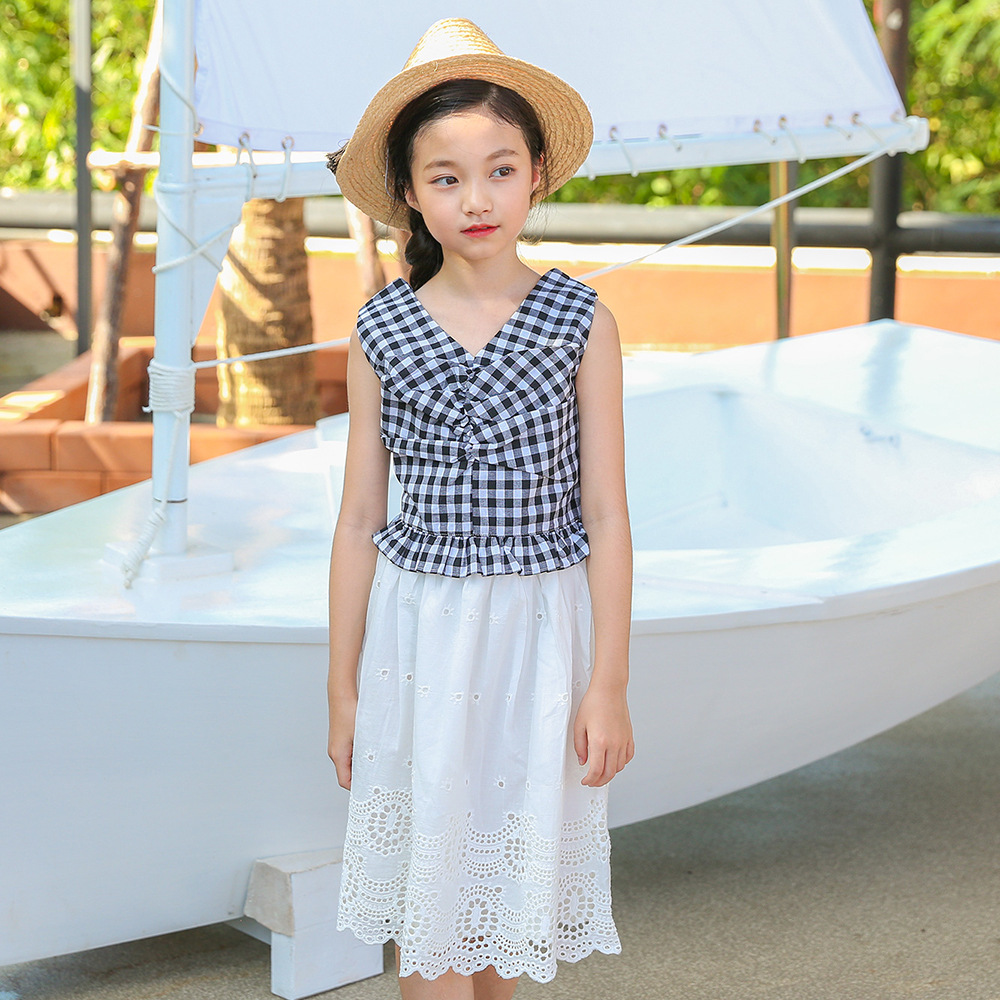 Girl's vest skirt suit summer 2018 new Girl's grid shirt with cut skirt two-piece suit