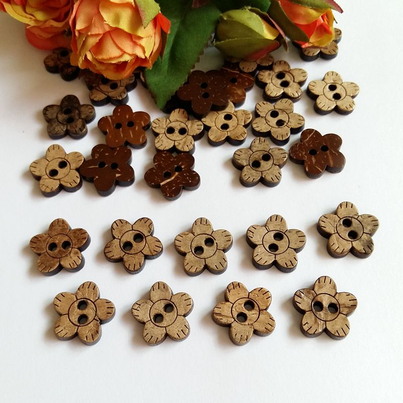 30pcs 17mm Flower Shape Natural Coconut Button Sewing Wooden Buttons