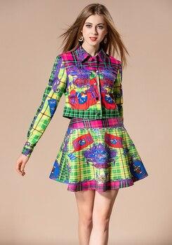 Conjunto chaqueta + mini falda estampados diseño multicolor