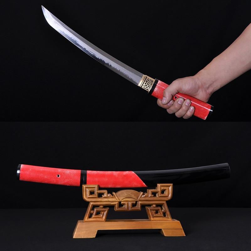Japonský samurajský meč T10 ocel temperovaná Hazuya leštěná TANTO Full Tang Blade Originální Red Ray Skin Zabalený býk Horn Saya