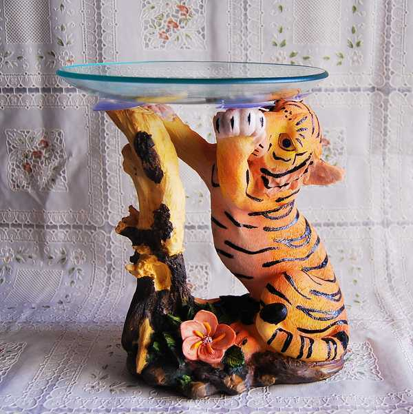 Hot Selling Crafts Gifts Tiger Scalpture Fruit Plates/Dishes/Tray/Telephone  Stand Frame