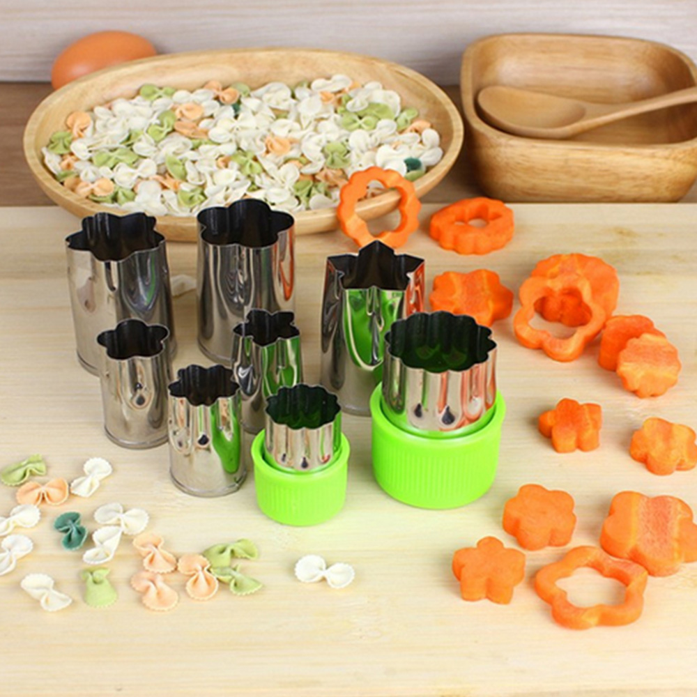 Behokic 8pcs Stainless Steel Flower Shape Rice Vegetable Fruit Cutting Molds Fondant Cake Tools w/ 2x Plastic Protection Sleeve