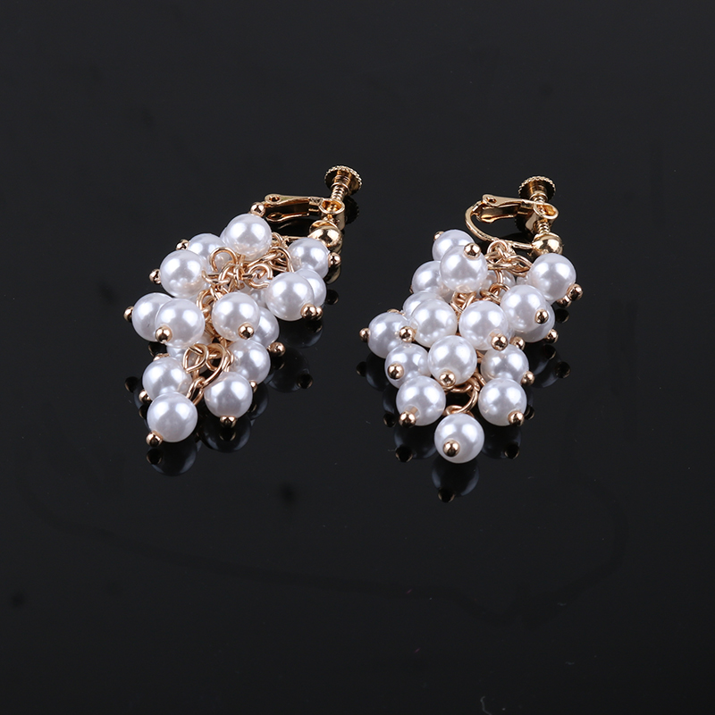 Trendy Simulated Pearl Clip On Earrings Grape Bunches Hanging Dangle Luxury Without Pierced For Female Wedding Party Ear Clip