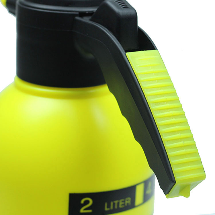 2L Sprayer Portable Pressure Garden Spray Bottle Kettle Plant Flowers Watering Can Pressurized Sprayer Gardening Tools Agricola in Sprayers from Home Garden