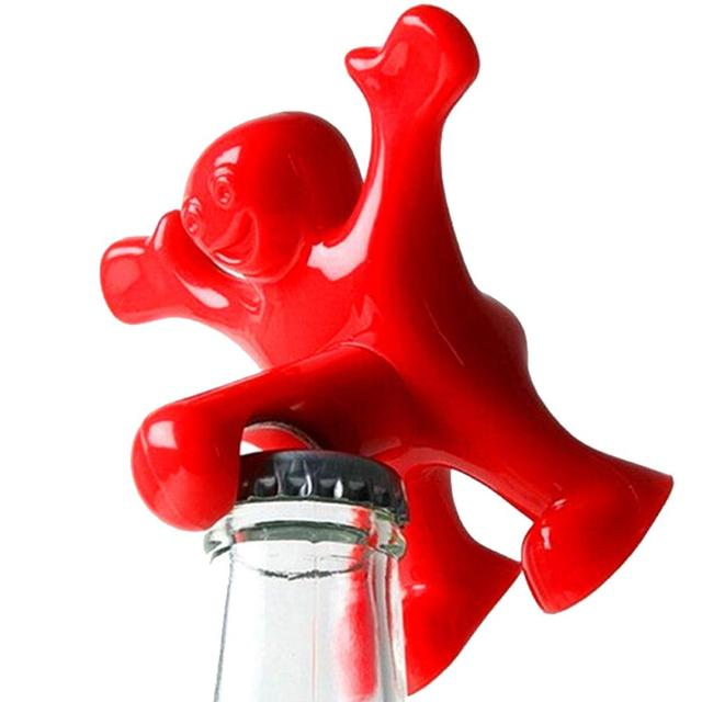 hot cuisine bar outils rouge drle heureux homme gars vin bouchon lige bire soda bouteille with. Black Bedroom Furniture Sets. Home Design Ideas