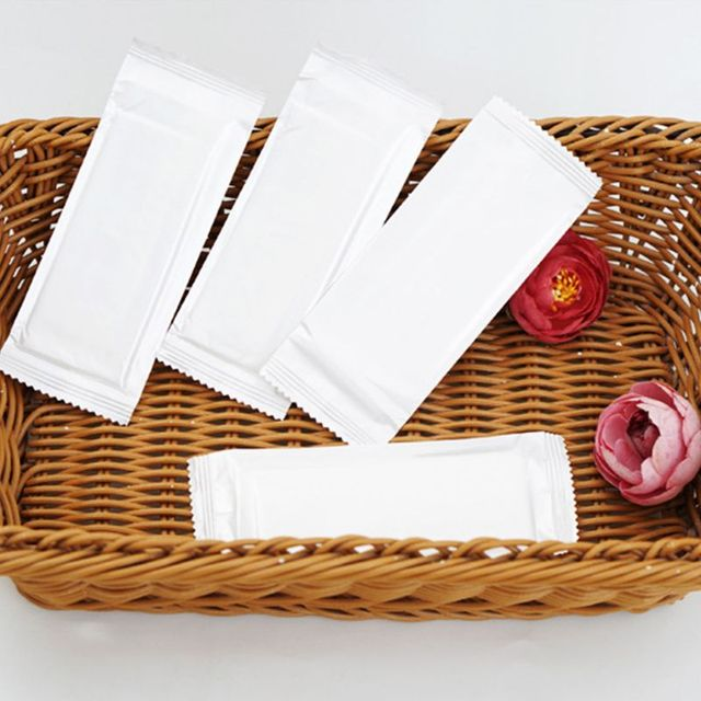 Disposable Non-Woven Aloe Essence Hand Wet Wipes Tissue Travel Portable Office Outdoor Tableware Solid White Color Individually