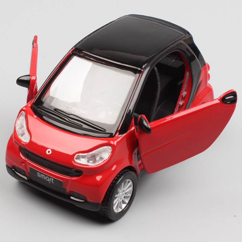 Kid's 1:32 Scale Mini Maisto Smart Fortwo Hatchback Pull Back SmartCar City Coupe Micro Diecast Model Gifts Car Toy Collectible